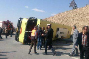 واژگونی یک دستگاه اتوبوس در آزادراه پردیس – تهران ۱۴ مصدوم برجای گذاشت