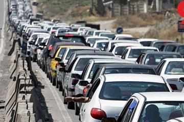 ترافیک سنگین در محور فیروزکوه/ لحظهبهلحظه بر حجم خودروها افزوده میشود