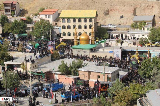 تجمع هزاران نفری عزاداران حسینی در روستای زیارت