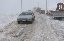 کندی تردد با وجود مه غلیظ در محور هراز/ مشکلی برای تردد خودروها در محور فیروزکوه وجود ندارد