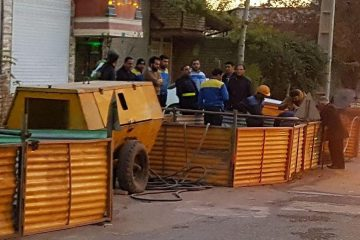 انفجار گاز در کانال فاضلاب بومهن/ ۲ نفر کشته و زخمی شدند/ انفجار بر اثر برخورد ابزارآلات کارگران با لوله گاز/ حال کارگر مصدوم وخیم است