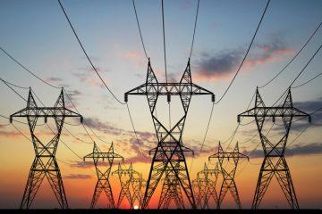 کلافگی مردم از قطعی برق در استان تهران/ از بحران اطلاعرسانی تا تناقضگویی مسؤولان