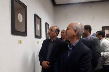نخستین نمایشگاه خوشنویسی با خودکار در دماوند گشایش یافت/ مروجان هنر خوشنویسی دماوند تجلیل شدند