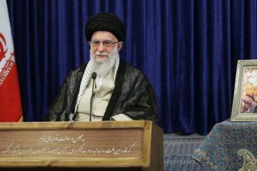 بزککنندگان آمریکا امروز نمی توانند سر خود را بلند کنند/ امام(ره) انسانی تحول آفرین بود